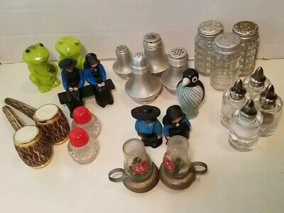 Lot Of 24 Vintage Salt & Pepper Shakers (Plastic/Glass/Cast Iron/Aluminum) • 10$