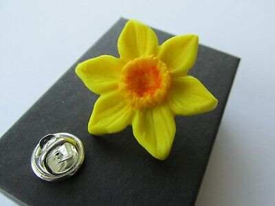 £4.25 • Buy Handmade Large Yellow Spring Daffodil Brooch Lapel Pin Marie Curie Charity 12873