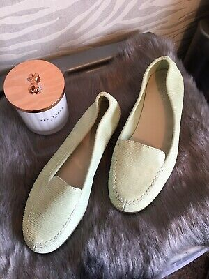 AU27 • Buy Unwanted Christmas Present Gift Flat Leather Shoes Size 4 Holidays !