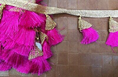 Beautiful 1 Metre Glitter Dangly Tassel Bunting Pom Pom Fringe Trim Craft Ribbon • 4.45£