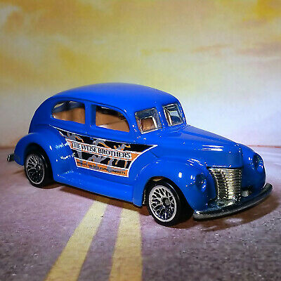 $ CDN1.84 • Buy 1940 Fat Fendered Ford 2000 #027 Circus On Wheel 1/64 Hot Wheels