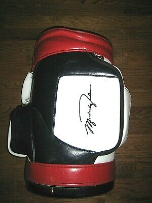 Collectible Michael Jordan  JUMPMAN  Fred Couples Embroidered Mini Golf Bag  • 211.95$