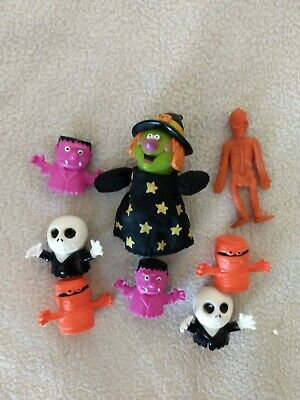 $ CDN19.82 • Buy Vintage-modern Small Halloween Toy Lot, Dinner Puppets, Witch, Skeleton, Monster