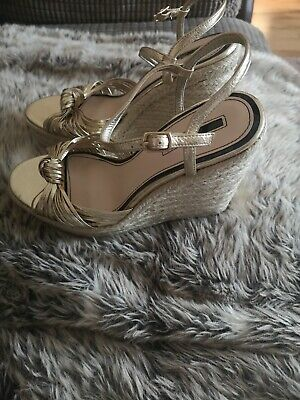 £30.99 • Buy Miss Selfridge Gold Wedge Knot Strap Sandals Size 7