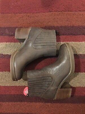 $35 • Buy Women's Brown Leather MTNG Chelsea Boot Size EU 38 BRAND NEW