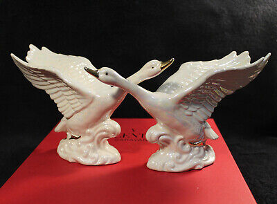 $ CDN29.98 • Buy Porcelain Swan  With Gold Yellow Gold Accents