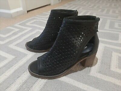 $ CDN46.31 • Buy Anthropologie KDB Kelsi Dagger Peep Toe Bootie Perforated Black Leather Boho 6.5