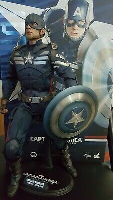 $225 • Buy Hot Toys Captain America Stealth Strike 12  1/6 Figure Winter Soldier Displayed