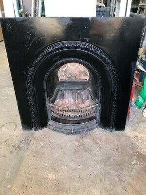 Victorian Style Cast Iron Black Arched Fireplace Insert In Good Used Condition • 145£