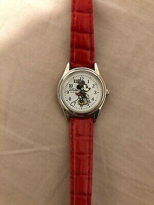 $ CDN39.99 • Buy Womens Vintage Disney Parks Minnie Mouse Watch (Silver-tone)(Red Leather)- Used