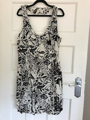 AU15 • Buy NEW Kimchi Blue Urban Outfitters Black And White Floral Dress Singlet Strap Silk