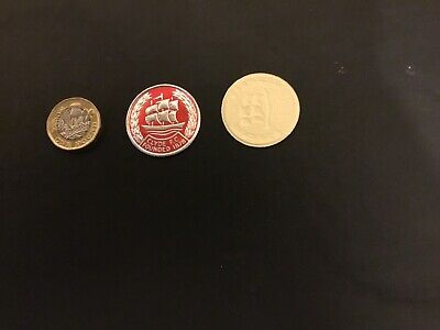 ESSO FOIL FOOTBALL CLUB BADGE CLYDE Unused  NOT A PIN BADGE • 1.99£