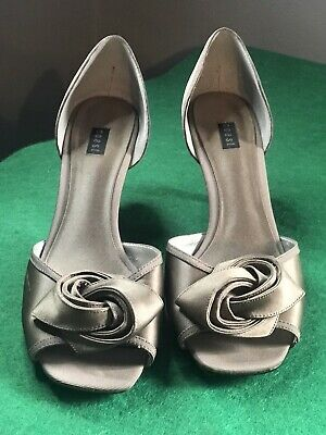 Coast Taupe Satin Peep Toe Mid Heel Smart Shoes With Rose Size 7 Worn Good Cond • 5£