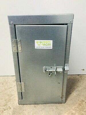 Farm Medicine/chemical Cabinet. Galvanised With Lockable Bolt • 101£