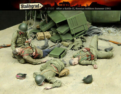 1/35 Scale Resin Model Kit After The Battle WW2 Russian Soldiers 1941 • 36.99£