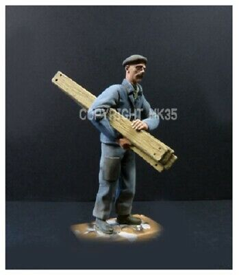 1/35 Scale Resin Figure Kit Civilian Carrying Some Boards • 10.99£