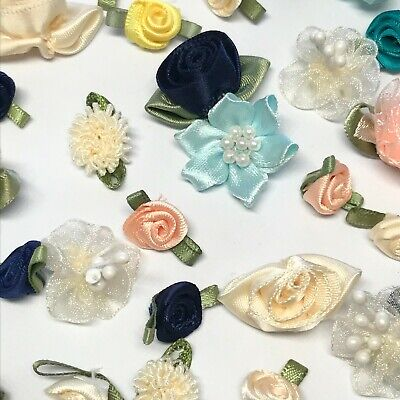 30 Small Flowers Rose Craft Cardmaking Embellishments Material Sewing Satin  • 4£