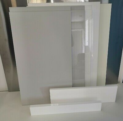 Kitchen Doors & Drawer Fronts Various Colours ANY SIZE ONLY £20 EACH • 20£