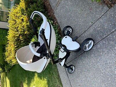 $825 • Buy Very Lightly Used White Mima Xari Stroller WITH Bassinet