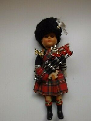 Vintage Scottish Doll With Sleeping Eyes - Bagpipes - 1970's - Good Condition • 6.99£