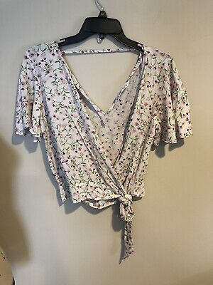 $12 • Buy ZARA Basic Red Wrap Floral Cropped Short Sleeve Faux Wrap Top Small EUC