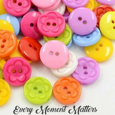 100 X MIXED COLOURED ROUND SHAPED ACRYLIC BUTTONS WITH FLOWER PATTERN 12mm • 2.85£