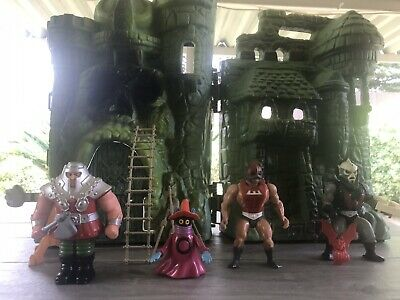$150 • Buy Masters Of The Universe Vintage Lot: Castle Grayskull, Hordak, And More