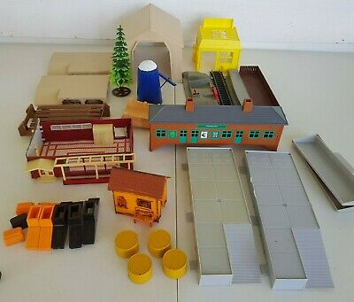 $ CDN120 • Buy Vintage Lot HO Scale Train Buildings Switching Station Tree Silo House Aurora