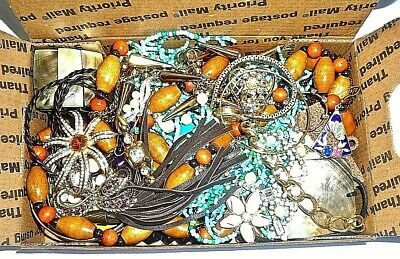 $ CDN1.34 • Buy .99 Vintage/now Junk Jewelry Lot #4-unsearched-untested-small Flat Rate Box Full