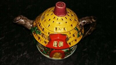 Round Thatched Cottage Teapot - Made In Japan • 9£