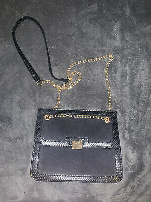 Primark Cross Body Black Bag With Gold Chain • 1.10£