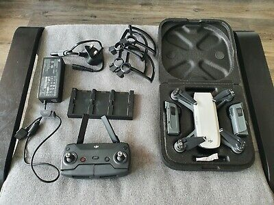 AU515.10 • Buy Dji Spark + Fly More Combo