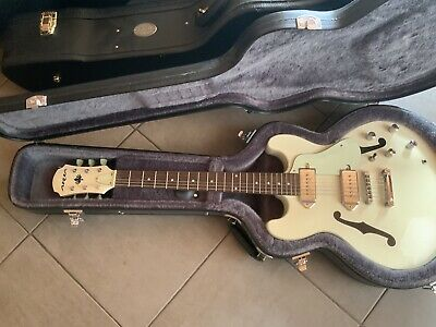 AU300 • Buy Aria Electric Guitar With Hard Case