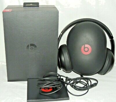 EUC! Beats By Dr Dre Studio 3 Wireless Matte Black Over Ear Headphones MQ562LL/A • 134£