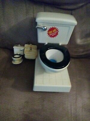 Big Toilet Piggy Bank And Small Keychains Toilet And Kitchen Sink Makes Sounds • 7.71£