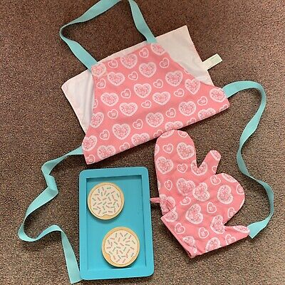 ELC Wooden Kitchen Accessories Apron Oven Gloves & Baking Biscuit Set • 10£