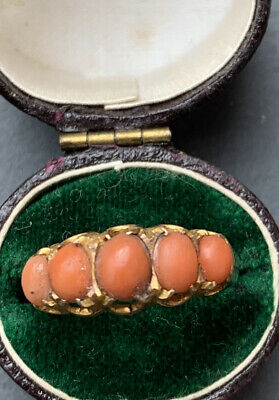 Antique 9ct Yellow Gold Coral Cabochon 5 Stone Ring. • 260£