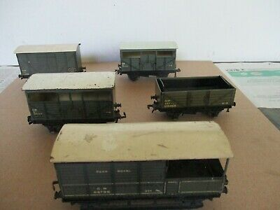 HORNBY DUBLO  3 RAIL 5 X POST WAR GWR WAGONS UNBOXED PLAYWORN UNDAMAGED • 27.50£