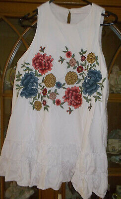 AU30 • Buy ZARA TRAFALUC COLLECTION SIZE M 100%COTTON  EMBROIDERED Sleeveless Frilled