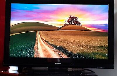 Toshiba Regza 40XV551D 40  1080p HD LCD Television With Stand And Wall Bracket • 150£