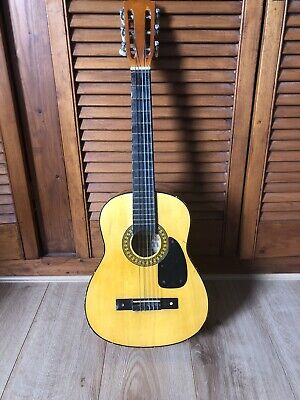 3/4 Size Childrens Guitar.  Used Condition. • 4£