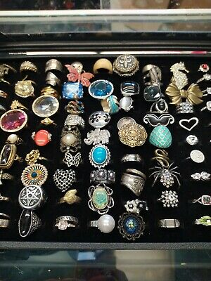 $ CDN197.72 • Buy Big Lot 98 Vintage Modern Rings Costume Jewelry Glass Case Included