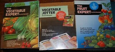 The Vegetable And Fruit Expert And The Vegetable Jotter  By Dr D.g.hessayon  • 10£