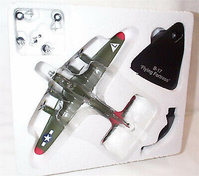 B17 Flying Fortress  WW11 Aircraft Atlas Editions 1:144 Scale Model • 19.95£