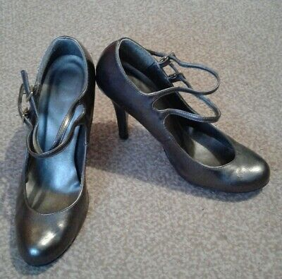 Ladies Pewter Shoes Size 5 • 5.50£