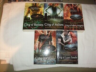 5  Paperback Books By Cassandra Clare The Mortal Instruments All Listed Box FG • 13.99£