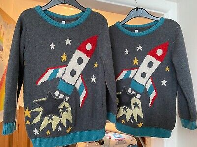 Childrens Clothes Twins Boys Christmas M & S Rocket Jumpers Age 3 - 4 • 4£