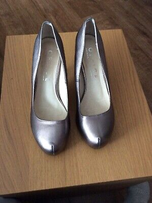 Stylish Office Silver/pewter Metalliac Shoes Court Heels Size 38 5 • 1.99£