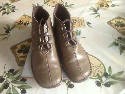 Ladies Pavers/Loretta Olive Green  Leather Ankle Boots Size 38 (5) • 6£