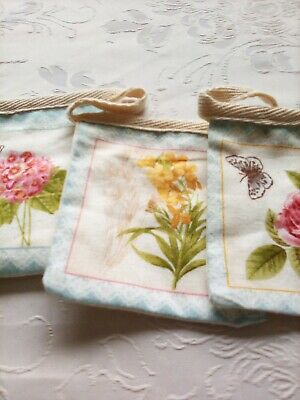 Beautiful Floral Butterfly  Handmade Fabric Bunting.  9 Squares  • 6£